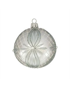 Christbaumkugel aus Glas, 8 cm, silber mit aufwändiger Verzierung