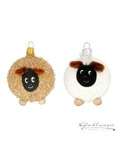 Set, bestehend aus zwei Schaf-Figuren aus Glas